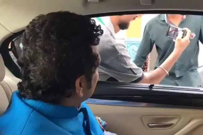Sachin Tendulkar teaches to wear helmet at the back