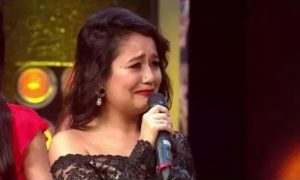 Neha kakkar crying
